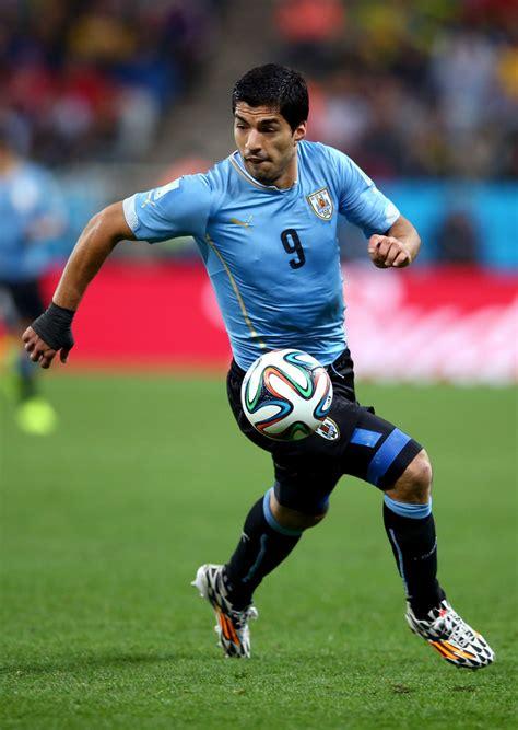 Luis Suarez Photos Photos   Uruguay v England: Group D ...