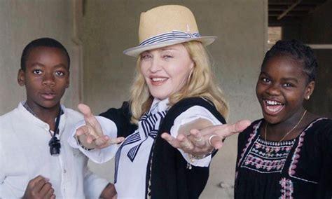 Madonna deja los problemas atrás y disfruta de todos sus ...