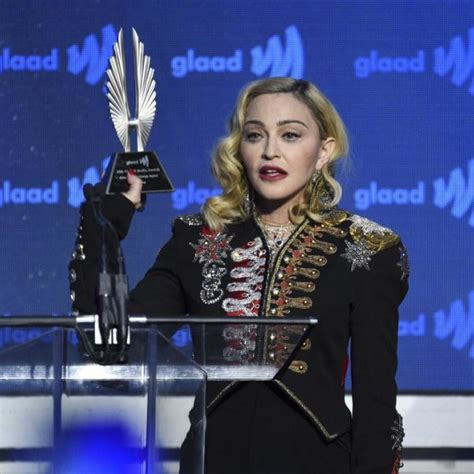 Madonna recibe el premio en los GLAAD Media Awards 2019 ...