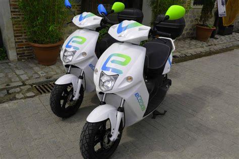 Madrid estrena un servicio de alquiler de motos eléctricas ...