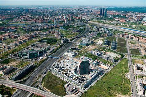 Madrid estudia horarios escalonados para acceder a centros ...