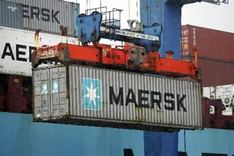 Maersk Raises 2014 Profit Forecast as Container Volume ...