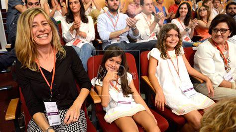 Magdalena, la madre de Pedro Sánchez, llora como una ...
