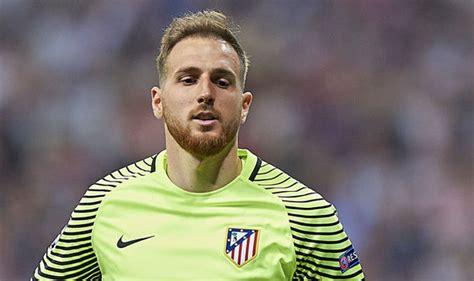 Man United News: La Liga star s agent discusses £40m ...