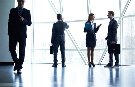 Management Consulting vs. Investment Banking