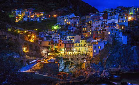 Manarola, Italy at Night Fond d écran HD   Arrière Plan ...