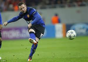 Manchester City v Villarreal, Galati v Manchester United ...