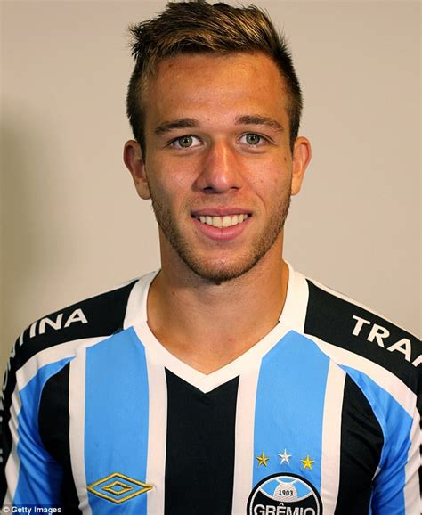 Manchester United keeping tabs on Gremio s Arthur Melo ...