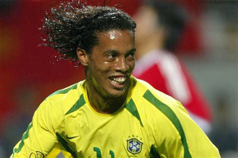 Manchester United Ronaldinho   Daily Star