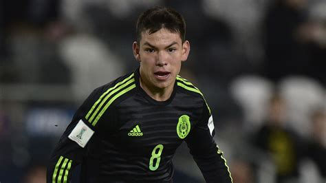 Manchester United targeting Mexico striker Hirving Lozano ...
