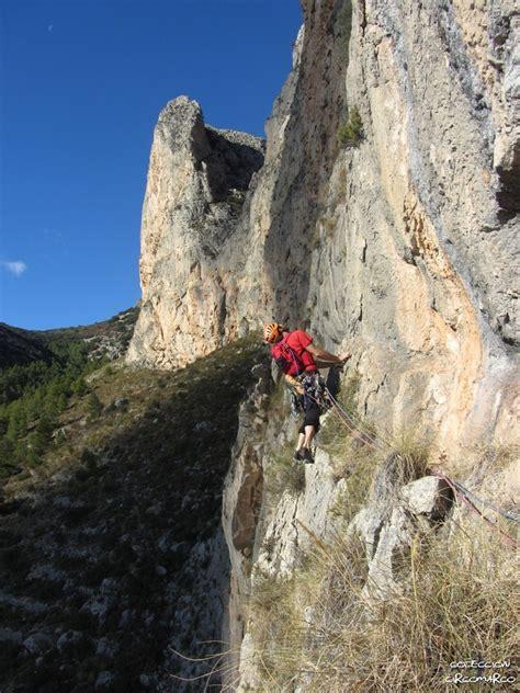 Maniobras de escapismo: Ponoig: vía  Las Hadas   500 m, 6a ...