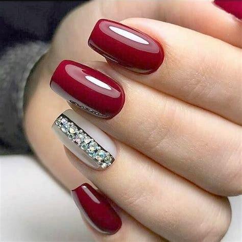 Mantenimiento de uñas en Polygel, Esmaltado semipermanente ...