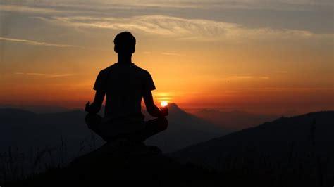 Mantras para meditar: qué son y 6 ejemplos para practicar