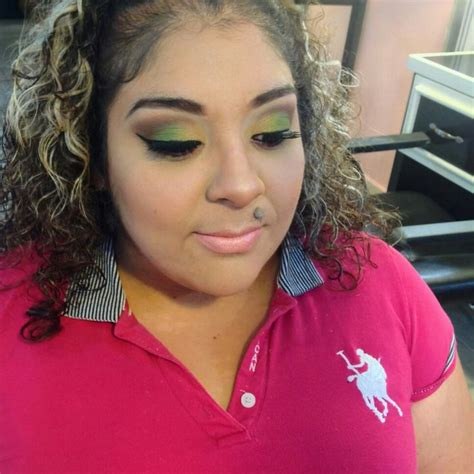 Maquillaje en tonos verdes. | Tonos de verde, Maquillaje ...