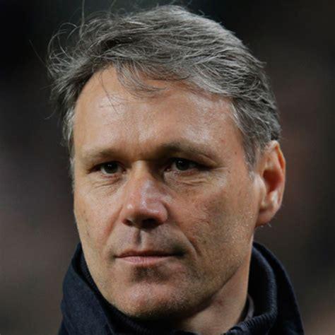 Marco van Basten, assistant coach, interview…   Dutch ...