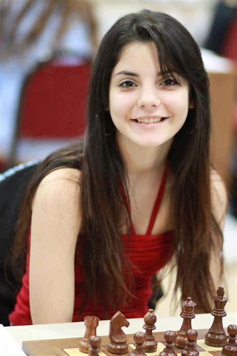 Maria Florencia Fernández | Chess magazine, Chess, Chess ...