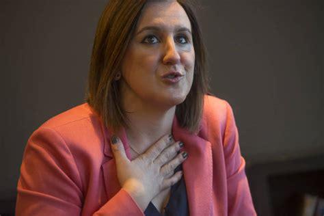 María José Català coloca a su mano derecha en el grupo ...