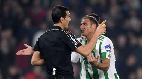 Martinez Munuera, árbitro del Real Betis   Celta de Vigo ...