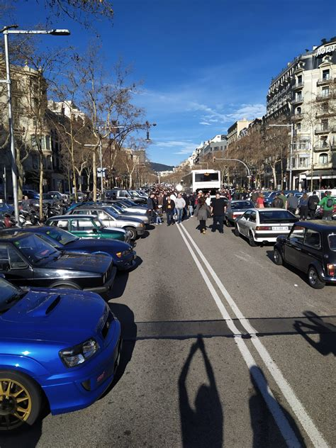 Más 3000 coches sin etiqueta se manifiestan en Barcelona ...