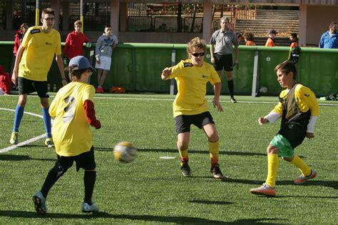Más de 100 jóvenes ciegos de toda España estrenan el ...