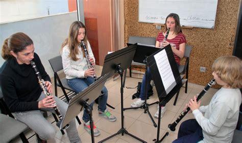 Más de 200 jóvenes se forman en la Escuela de Música de ...