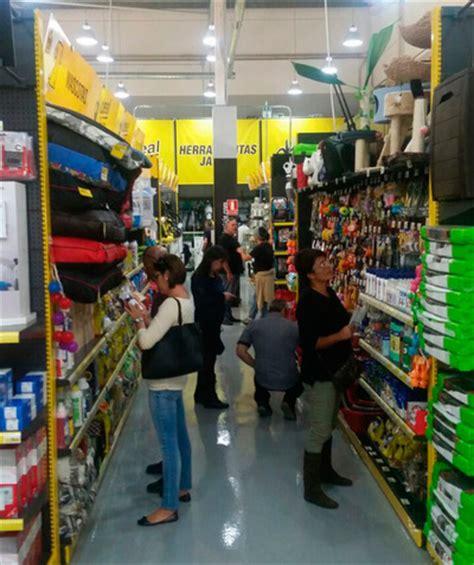 Más de 3.000 clientes visitaron Ideal Bricolaje en su ...