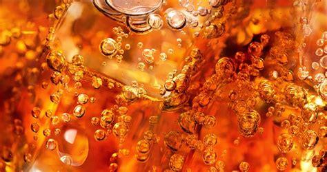 Más que un shot de azúcar: ¿Qué hace la Coca Cola con tu ...