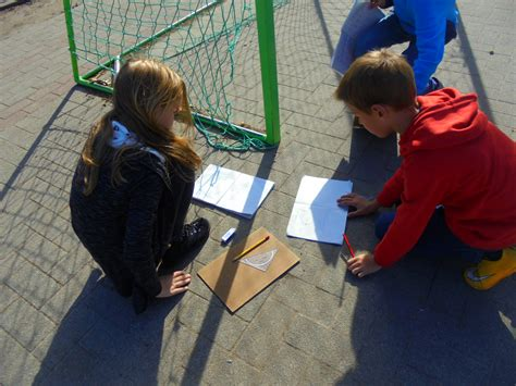 Maths in the playground : measuring angles