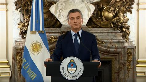 Mauricio Macri reconoce que Argentina atraviesa una crisis ...