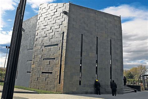 mausoleo kirchner operativo antidrogas o sacaban dinero ...