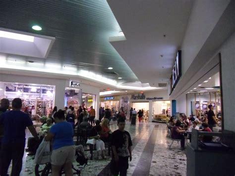Mayagüez Mall | Mall, Puerto rico, Photo