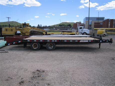MDU Resources Surplus Auction   1999 Towmaster Contrail ...