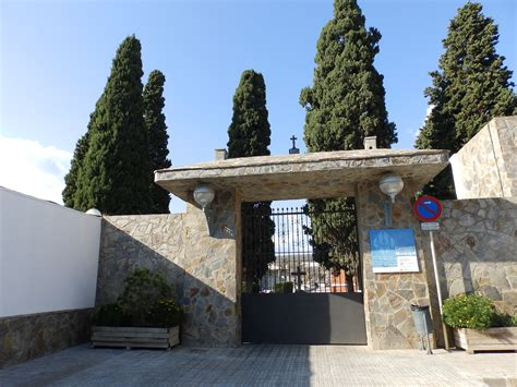 Medidas especiales para acceder al cementerio de Cornellà ...