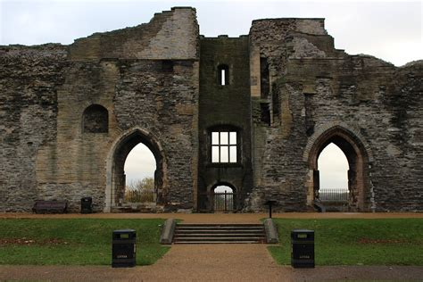 Medieval Newark Castle Newark on trent Ruins 20 Inch By 30 ...