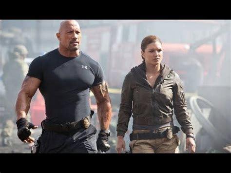 Mejor película de acción 2017 Dwayne Johnson Policía ...