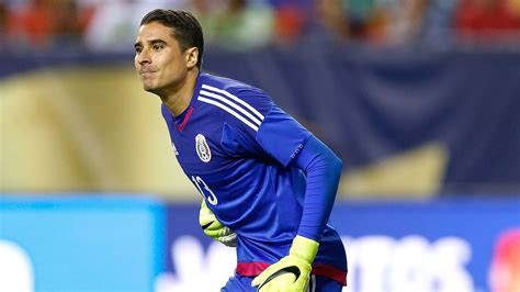 Memo Ochoa is wasting his time in Malaga    Hugo Sanchez ...