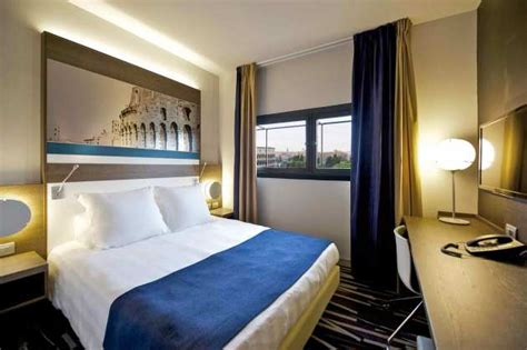 Mercure Roma Centro Colosseo Hotel  Rome  from £145 ...