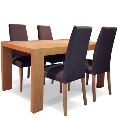 Mesa comedor extensible + 4 sillas en Oulet Betty&Co.