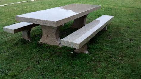 Mesa de piedra para jardín realizada a mano   Construper