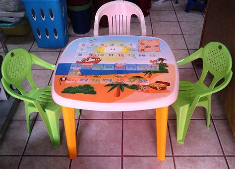 Mesa Infantil Para Niños Midp Con Sillas De Plástico ...