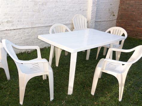 Mesa Plastica Cuadrada Y 4 Sillas Plasticas !!! Super ...
