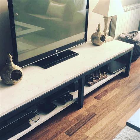 Mesa tv. Madera de andamio usada y tratada en blanco y ...