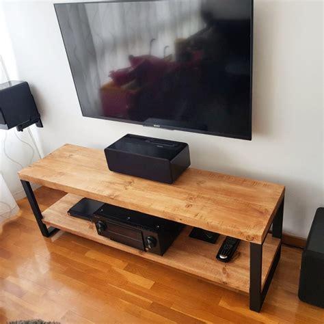 Mesa vintage industrial fabricada con madera de pino y ...