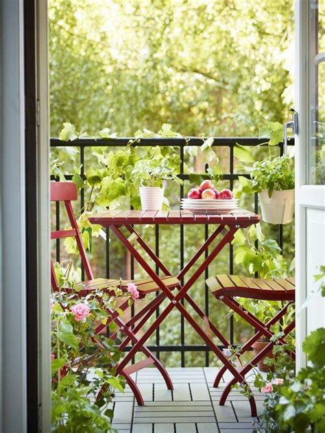 mesa y dos sillas de la nueva colección de ikea 2014 para ...