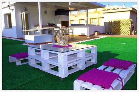 Mesa y sillas hechas con palets | Terrazas y piscinas ...