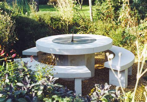 Mesas de jardín de piedra