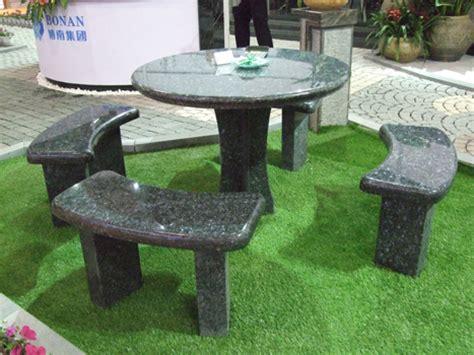 Mesas y bancos de piedra natural para el jardín   Todo ...