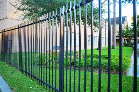 Metal Fence Installation   Choose from Aluminum, Steel or Iron
