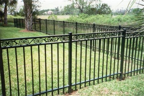 Metal Fences and Gates: Rust and Damage   Paint, Repair or ...