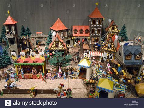 Mettmann, Germany. 19th Nov, 2016. Playmobil figures can ...